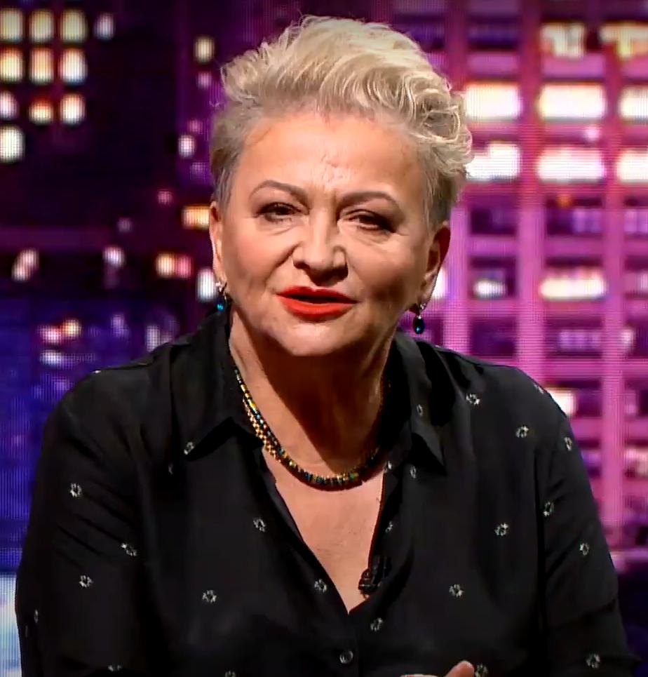 """Serial TVP pod tytułem """"Osiecka"""" wywołał kolejny skandal. Wypowiedziała się Hanna Bakuła. """"Scenarzyści nie mieli pojęcia o życiu Agnieszki!"""""""